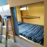 Rooms & Capsules