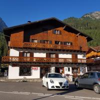 Casa Doleda, hotel in Alba di Canazei