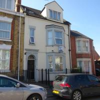 Birchfields Guesthouse - Self Catering Accommodation, hotel in Northampton