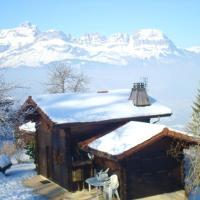 Chalet de 2 chambres a Saint Gervais les Bains avec magnifique vue sur la montagne terrasse amenagee et WiFi a 3 km des pistes