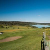 The 108 Golf Resort, hotel em 108 Mile Ranch