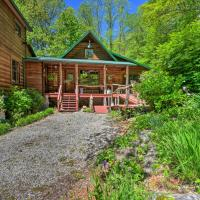 Artistic Cabin with Garden 12 Miles to Meade Brewery, hotel in Robbinsville