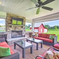 Grand LaFollette Home with Covered Patio on 40 Acres!, hotel in La Follette