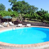 Apartment with 3 bedrooms in Bevagna with wonderful mountain view shared pool and enclosed garden 40 km from the slopes
