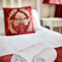 Witchingham B&B, hotel in Holyhead