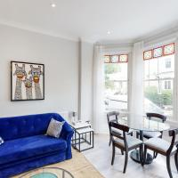 Amazing 2 Bed Flat in West Hampstead, London near Kilburn for up to 4 people