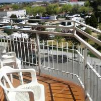 Apartment with 3 bedrooms in Navalcarnero with furnished garden and WiFi 5 km from the slopes