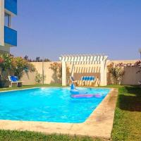 Apartment with 2 bedrooms in Hammamet with wonderful sea view shared pool balcony 100 m from the beach, hotel in Hammamet