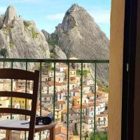 Studio in Castelmezzano with wonderful mountain view furnished balcony and WiFi
