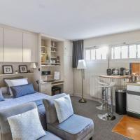 Comfortable studio in Benerville, 2 min from Deauville - Welkeys, hotel in Bénerville-sur-Mer