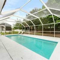 Parkdale Home, 4 bedrooms, Private Heated Pool, HDTV, WiFi, Sleeps 12