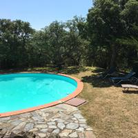 House with one bedroom in Montauriol with private pool enclosed garden and WiFi 34 km from the beach, hôtel à Montauriol