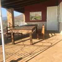 House with 2 bedrooms in Avella with wonderful mountain view and furnished terrace, hotel ad Avella