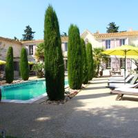 House with 2 bedrooms in Saint Gilles with shared pool enclosed garden and WiFi 20 km from the beach