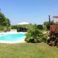 Villa with 3 bedrooms in Saint Martin Lacaussade with private pool enclosed garden and WiFi, hotel in Saint-Martin-Lacaussade