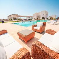 Villa with 5 bedrooms in Tatlisu with shared pool enclosed garden and WiFi 29 km from the beach, hotel in Ayios Nikolaos