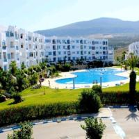 Apartment with 2 bedrooms in Marina Smir with wonderful sea view shared pool furnished terrace 500 m from the beach, hotel in Marina Smir