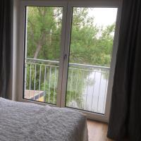 Familienfreundliche Ferienwohnung am See, Hotel in Sömmerda
