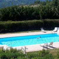 Apartment with 2 bedrooms in Trivigno with wonderful mountain view shared pool furnished terrace、Trivignoのホテル