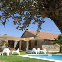 House with 4 bedrooms in Alcaracejos with shared pool enclosed garden and WiFi