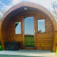 The Oaks Glamping - Pips Cabin