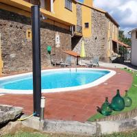 Villa with 4 bedrooms in Empalme de Vilar with wonderful mountain view private pool terrace 63 km from the beach, hotel in Vilar