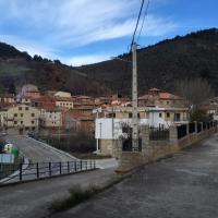 House with 4 bedrooms in Noguera de Albarracin with wonderful mountain view, hotel in Noguera de Albarracin