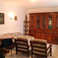 Apartment with 2 bedrooms in Scano Al Brembo with enclosed garden and WiFi, хотел в Valbrembo