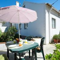 House with 2 bedrooms in Colares with terrace and WiFi, hotel Adraga városában