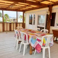 Bungalow with 2 bedrooms in Hyeres with furnished garden 1 km from the beach