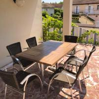 House with 2 bedrooms in Saint Julien with furnished garden and WiFi, hôtel à Saint-Julien