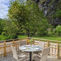 Two bedroom apartment in beautiful Flåm valley, hotell i Flåm