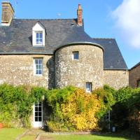 House with 3 bedrooms in Monthault with enclosed garden and WiFi 50 km from the beach