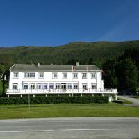 Eidsvåg Fjordhotell, hotel in Eidsvåg