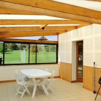 Maison de 2 chambres a Vanne avec jardin amenage et WiFi, hôtel à Vanne