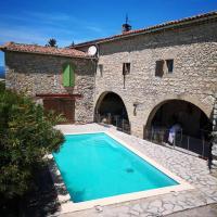 Villa de 3 chambres a Saint Theodorit avec magnifique vue sur la montagne piscine privee jardin clos a 60 km de la plage, hotel sa Saint-Théodorit