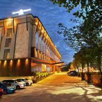 Grand Tjokro Hotel Balikpapan, hotel near Sultan Aji Muhammad Sulaiman International Airport - BPN, Balikpapan