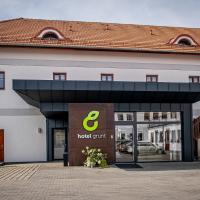 Hotel Grunt, hotel in Mladá Boleslav
