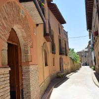 Studio in Sieso de Huesca with wonderful mountain view and furnished terrace, hotel en Sieso de Huesca