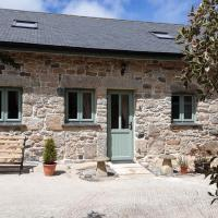 Wesley House Holidays - Quirky Cottage in 4 private acres, hotel in Redruth