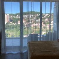 Apartment on Kurortniy 105A