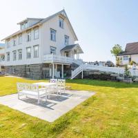 Sakrisøy Gjestegård, hotell på Reine