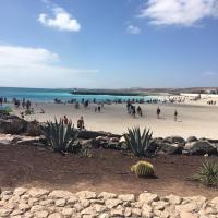 Playa Chica, Los Pozos