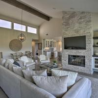 Luxe Golf Course Haven with Patio in Palm Desert