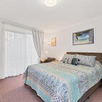 Abby's Poolside Retreat 1, hotel in Mandurah