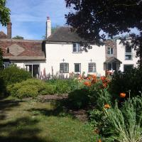 Stable Lodge Self-Catering, hotel in Petham