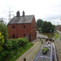Canalside Lock keepers Cottage, hotel in Coventry