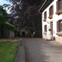 Altes, renoviertes Forsthaus in Alleinlage, Hotel in Prüm