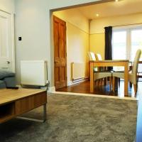 Couples and Family Holiday Home - 3 Bed Home close to the Beach and Parks
