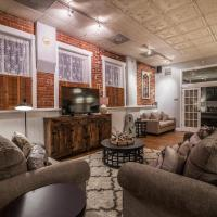 FireHouse Alley Elegant Loft-Style Retreat